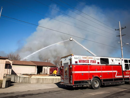 636527553501563689-MNI-0128-WarehouseFire1650.jpg