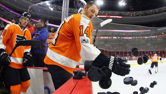 Sean Couturier and the Flyers will kick off their regular-season