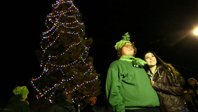 Redding Christmas Lights 2020 Redding's downtown Christmas tree finally coming home
