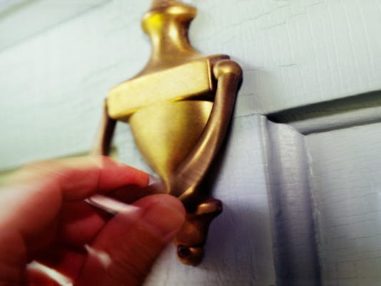 635852655339071855-door-knock.jpg