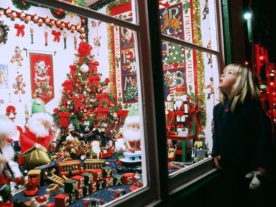 CPO-SUB-120915-Koziars-Christmas-Village-2.jpg