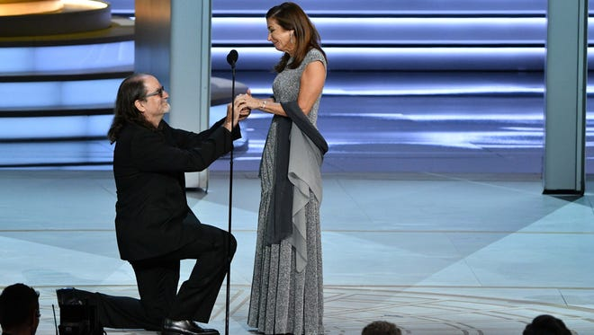 Glenn Weiss, who won his 14th Emmy Award Sunday, proposed to girlfriend Jan Svendsen during the ceremony.