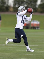 Dallas Cowboys receiver Ryan Switzer (10) makes a catch