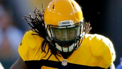 Green Bay Packers running back Eddie Lacy runs in the