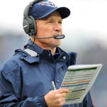 Titans coach Ken Whisenhunt, shown here calling a play in a game against Indianapolis last season, doesn't believe he loses sight of the big picture while calling offensive plays.