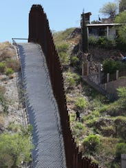 Policeman on Mexican side of U.S. border