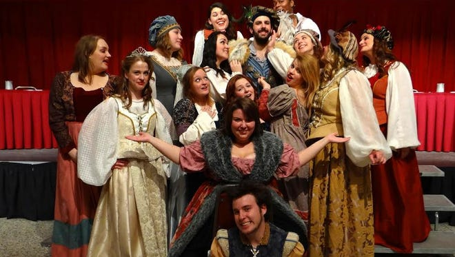 2015 Madrigal Feaste singers and players.