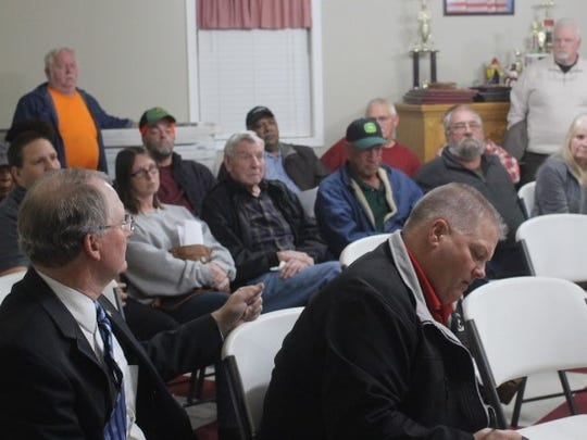 Residents who live near Anderson County's landfill attended a meeting Tuesday night  at the Cheddar fire station.