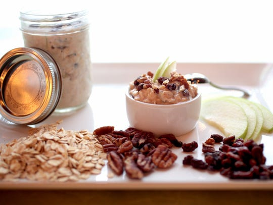 Overnight Oatmeal with Apples,Raisins,and Toasted Pecans,