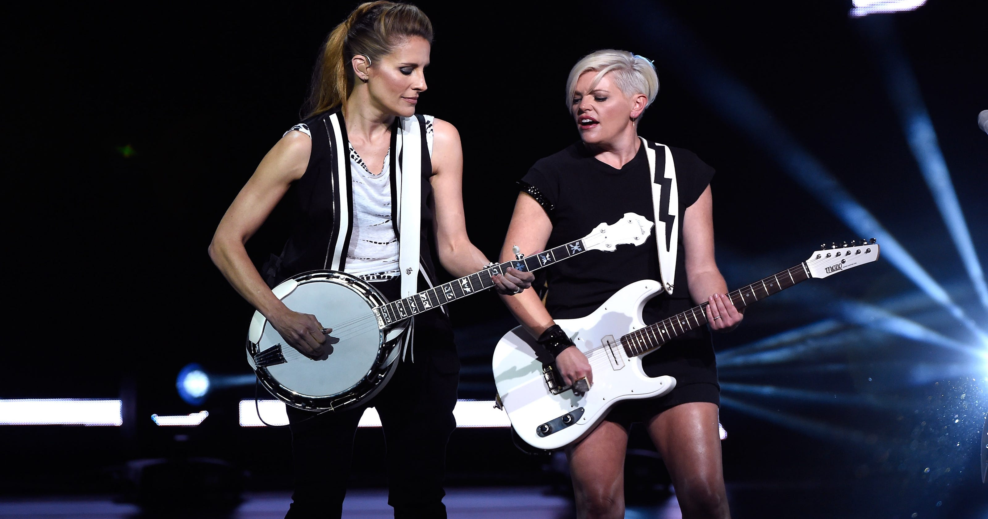 Review Dixie Chicks Make Nice At Riverbend