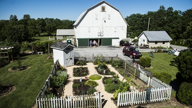 Thomason's Olde Thyme Herb Farm in East Berlin will host a Christmas in the Country craft event this weekend.
