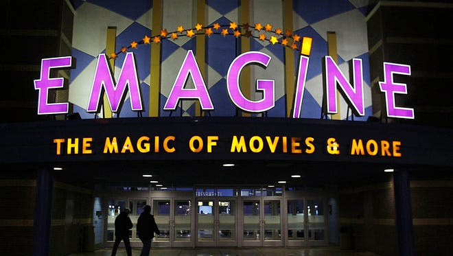 Visitors arrive at the Emagine Theatre at Novi's Fountain Walk shopping center Tuesday, Jan. 08, 2008.