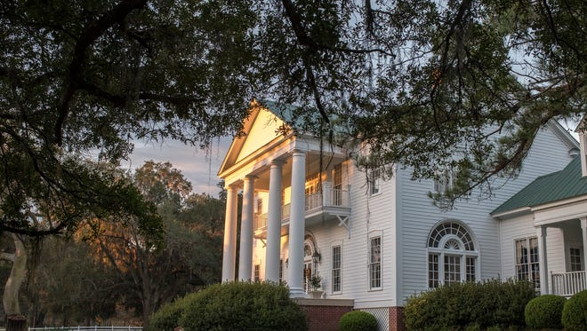 Photo of 8,000 square foot Greek Revival mansion on Wetherell's Oak Hill Plantation in Lloyd.