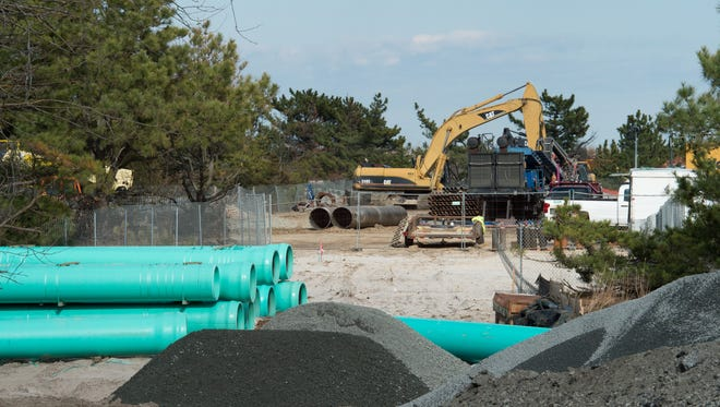 Rehoboth Beach outfall work being completed near Deauville Beach.