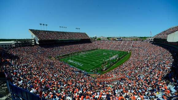 The kickoff time for Auburn's home finale is set.