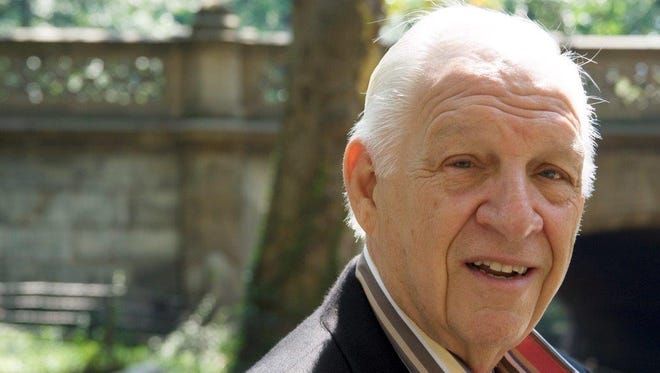 Jerry Heller, former manager of rap group N.W.A., died in Thousand Oaks.