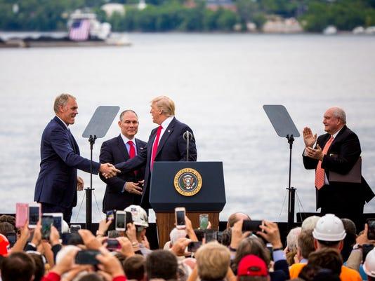 636324485104917214-Trump-MV-0003.JPG