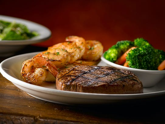 Sirloin and shrimp combo at Texas Roadhouse.