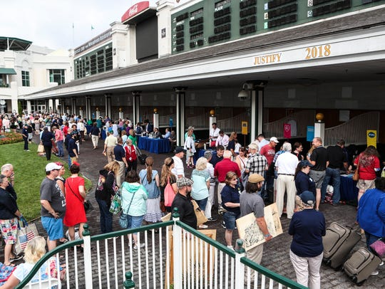 Hundreds of people hoping to have a valuable antique