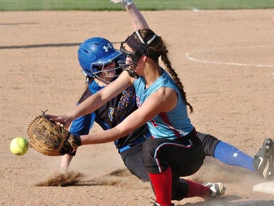 SD vs. Oconto softball 090 (2)