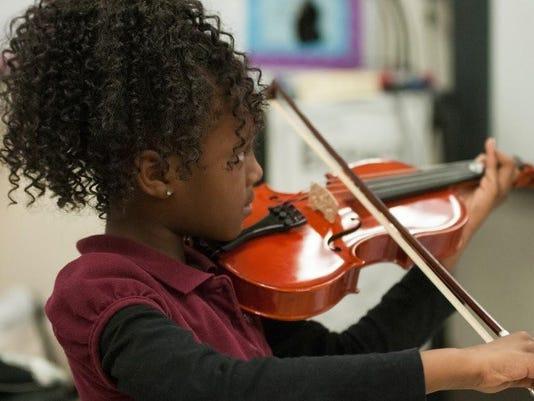 Kids Orchestra 3 JPG