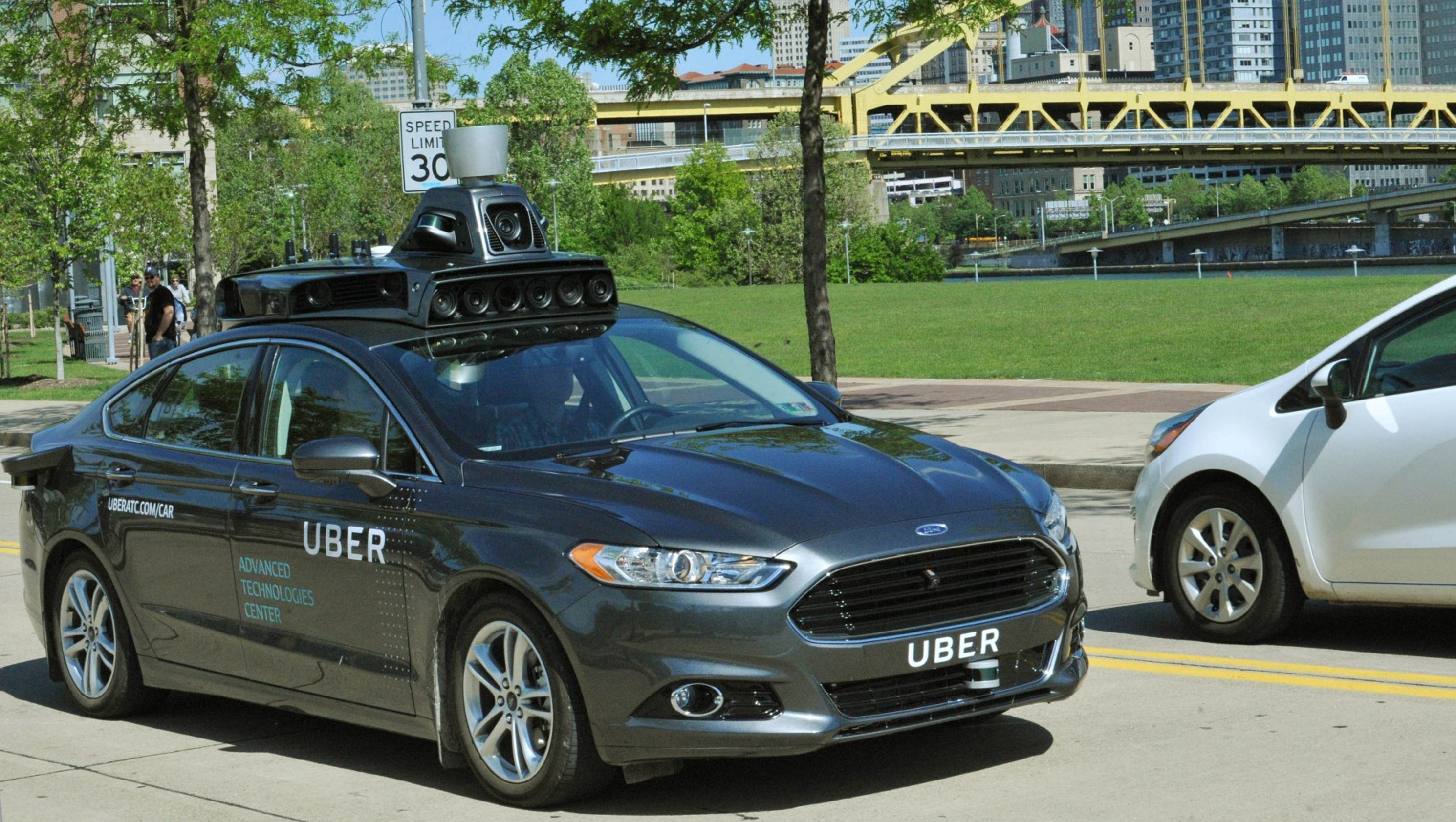 Uber tests self driving cars in Pittsburgh