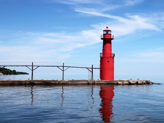 The Algoma Pierhead Lighthouse was installed in 1932
