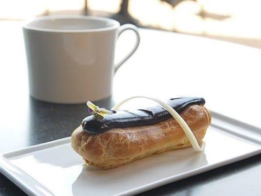 cafe 17 Eclair