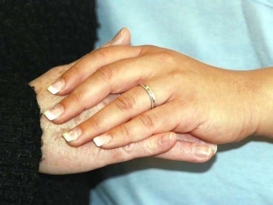 012816-sn-weddingring.jpg
