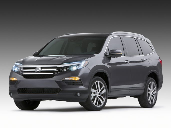 The redesigned 2016 Honda Pilot unveiled at the 2015