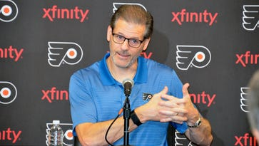 Ron Hextall disappointed he couldn't find his way into trade market