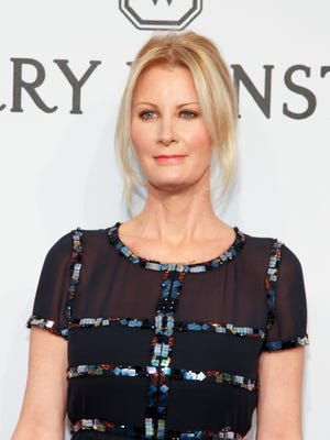 """FILE - In this Feb. 11, 2015 file photo, Food Network personality Sandra Lee attends amfAR's Annual New York Honors Gala in New York. Lee has been hospitalized for complications from a recent double mastectomy. Lee was rushed to the hospital Tuesday, Aug. 4, to deal with a buildup of fluids and is expected to be monitored for a couple of days. The 48-year-old """"Semi-Homemade Cooking"""" star had surgery in May after receiving a breast cancer diagnosis. (Photo by Andy Kropa/Invision/AP, File)"""