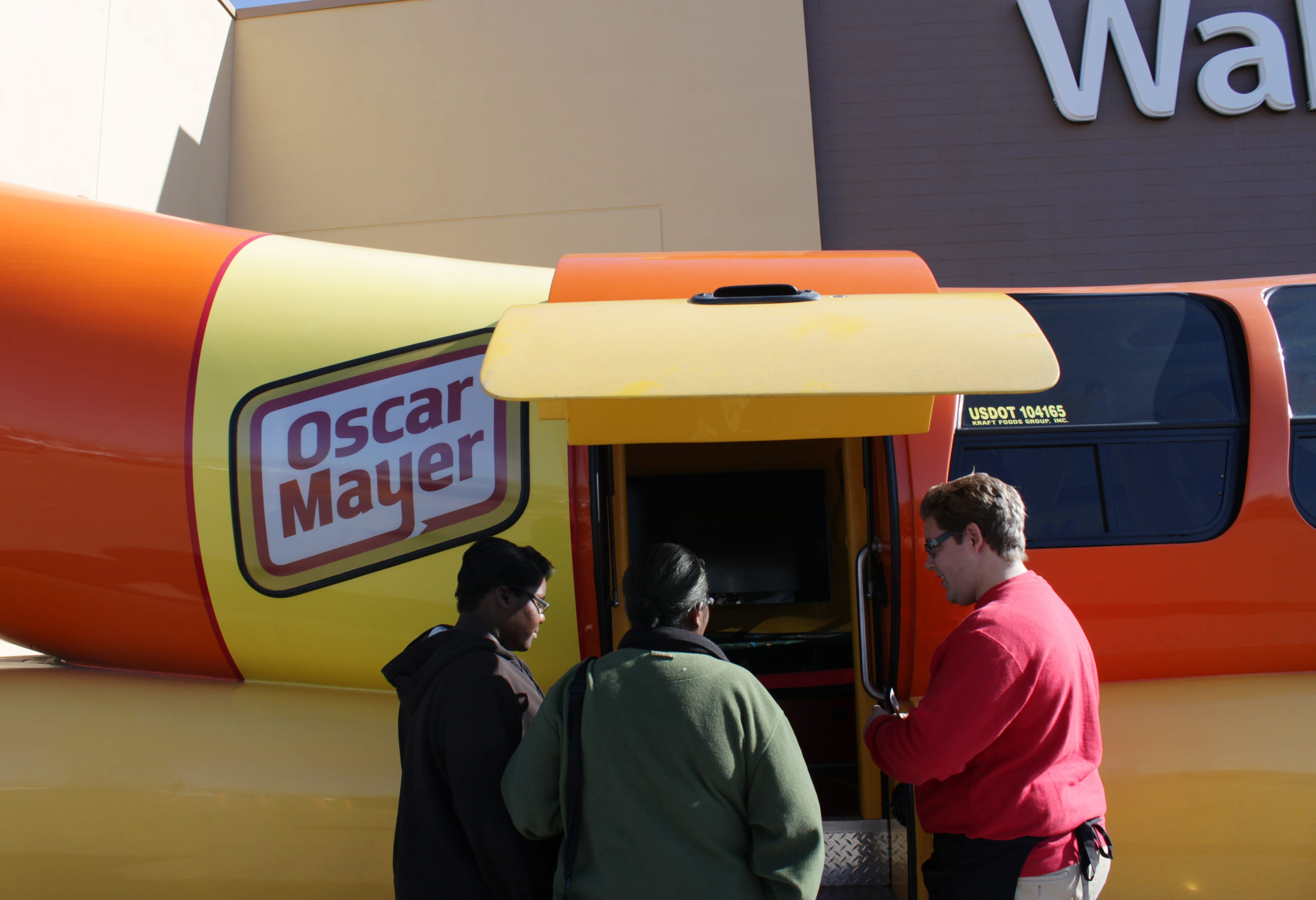 10 Flavorful Facts About the Wienermobile | Mental Floss