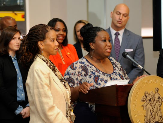Detroit Parent Network's Jametta Lilly, left, and Tomeka