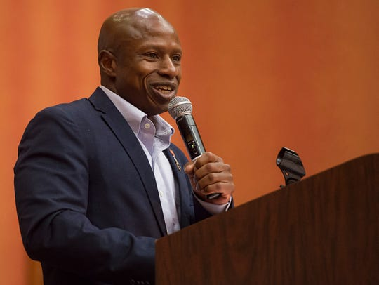 Darryl Glenn speaks to a crowd at the Embassy Suites in Loveland in 2016.