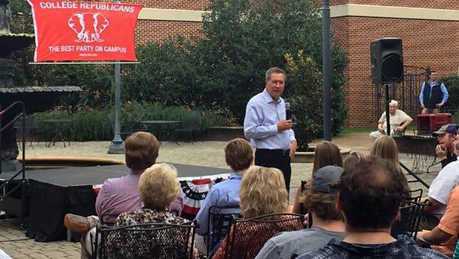 Ohio Gov. John Kasich at Mississippi College speaking to College Republicans.