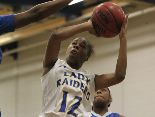 Behind 22 points from Tamia Riles (12), the Rickards'