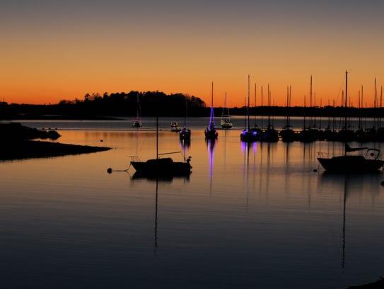 A sunset at Western Carolina Sailing Club Parade of