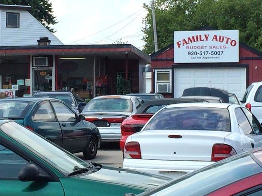 State suspends license of a fond du lac auto dealership for Budget motors of wisconsin