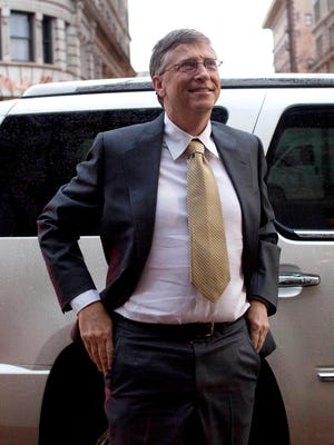 Bill Gates arrives  to testify in  federal court in Salt Lake City Nov. 21, 2011 for thea ntitrust lawsuit against Microsoft Corp.