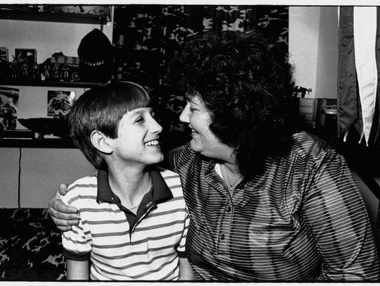 Ryan White and his mom Jeanne White-Ginder in 1986