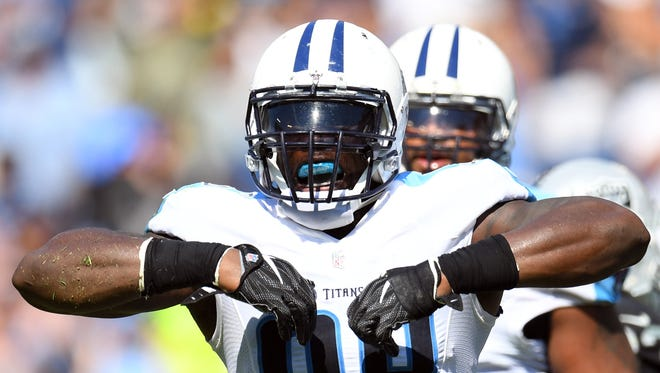 Tennessee Titans linebacker Brian Orakpo (98) celebrates after a sack during the second half against the Oakland Raiders at Nissan Stadium.