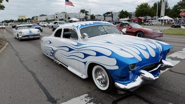 Dare to dream: Car enthusiasts take in Woodward