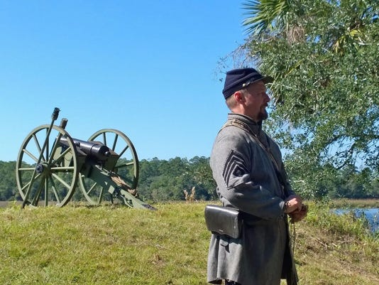 Jamey-Creel-with-his-cannon-at-San-Marcos-de-Apalache-Historic-State-Park-as