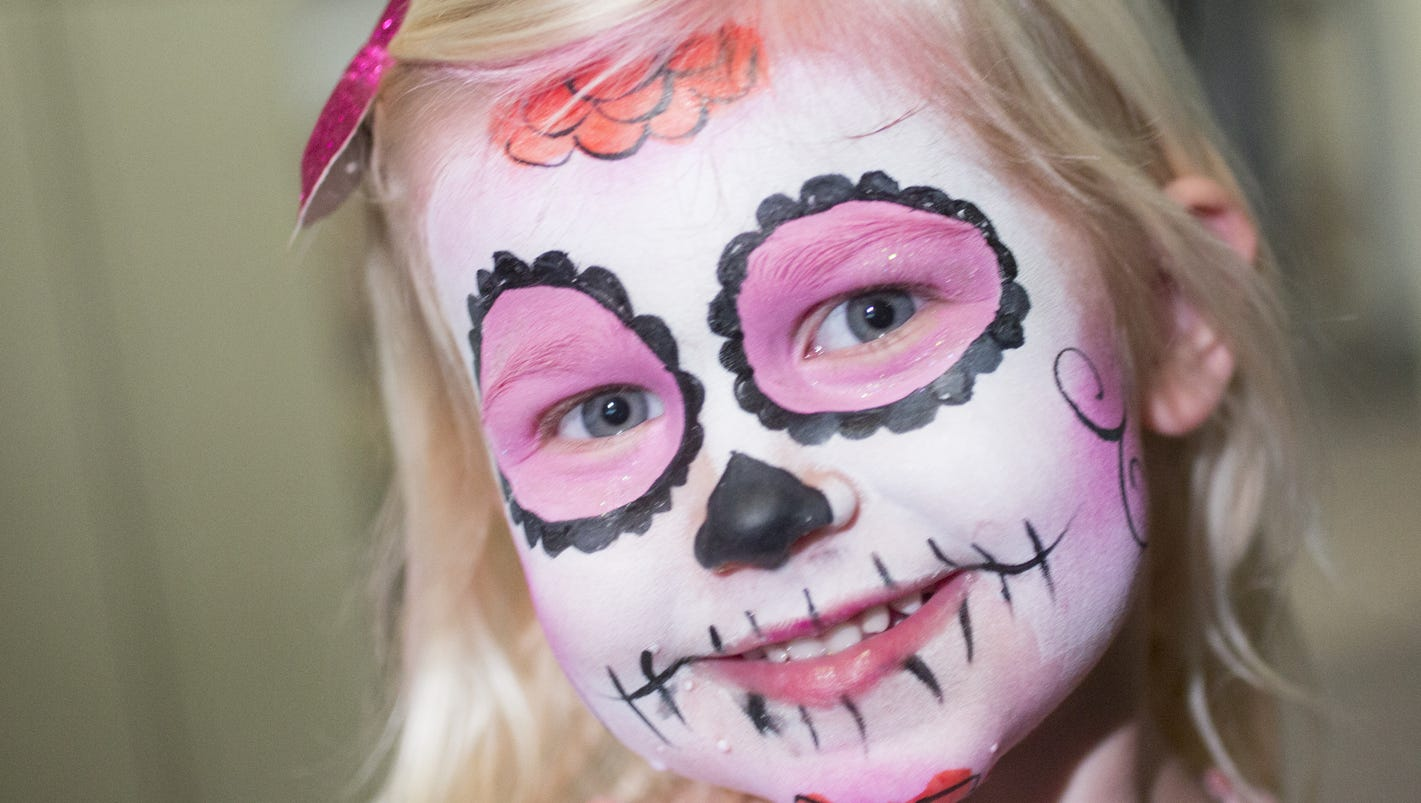 Day of the dead facts history and events celebrating the dia de day of the dead face painting history more magicingreecefo Gallery