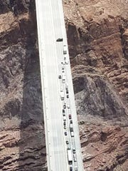 Photo of the main highway linking Phoenix and Las Vegas