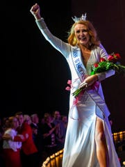Miss Wood Violet Tianna Vanderhei wins the Miss Wisconsin
