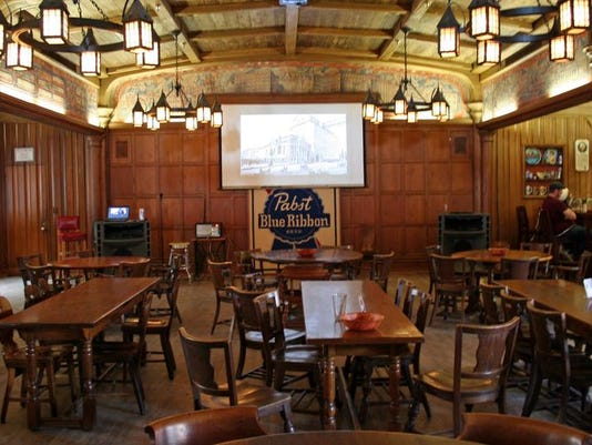 Bergin 0330 Pabst blue-ribbon-hall.JPG