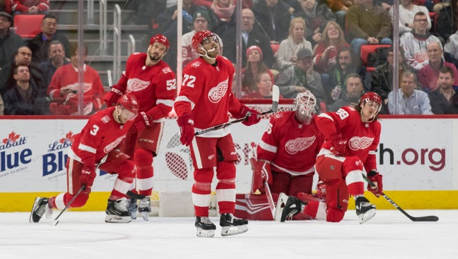 The Red Wings react after Dallas center Martin Hanzal scored the Stars' fourth goal of the night in the third period.