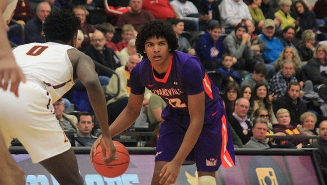 Evansville sophomore Dru Smith returned to the lineup and scored 15 points, but Loyola overcame an eight-point halftime deficit in winning 66-59 Saturday in Chicago.